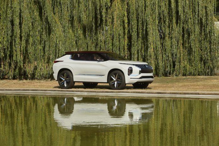 Mitsubishi GT-PHEV w Paryżu