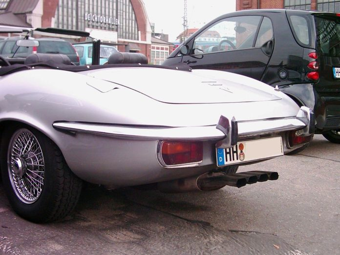 Tył samochodu Jaguar E-Type