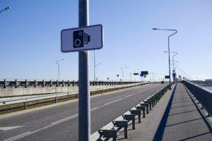 Monitoring wjazdu na czerwonym świetle - Bezprawie