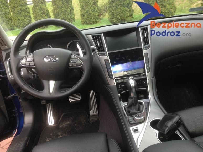 Infiniti Q50S turbo od środka
