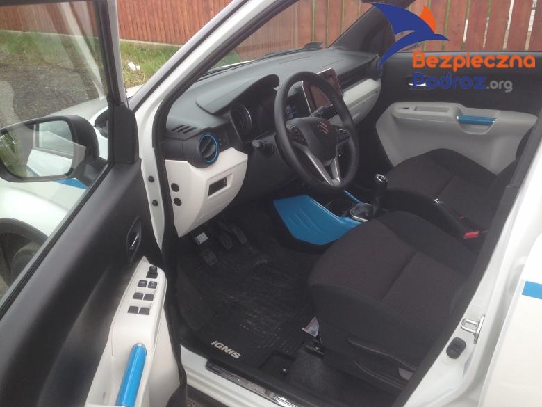 Suzuki Ignis DualJet 90 KM od środka