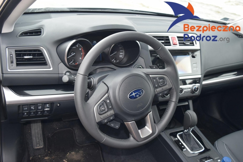 Subaru Outback 175 KM od środka