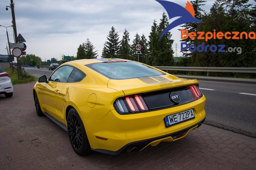 Ford Mustang V8 420 KM
