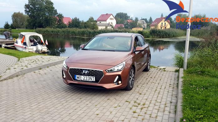 Hyundai i30 CRDi 136KM manual front