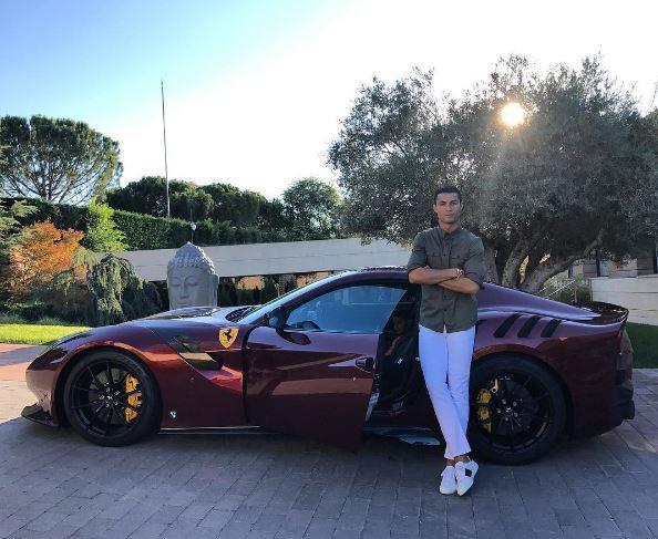 Christiano Ronaldo ferrari glowne