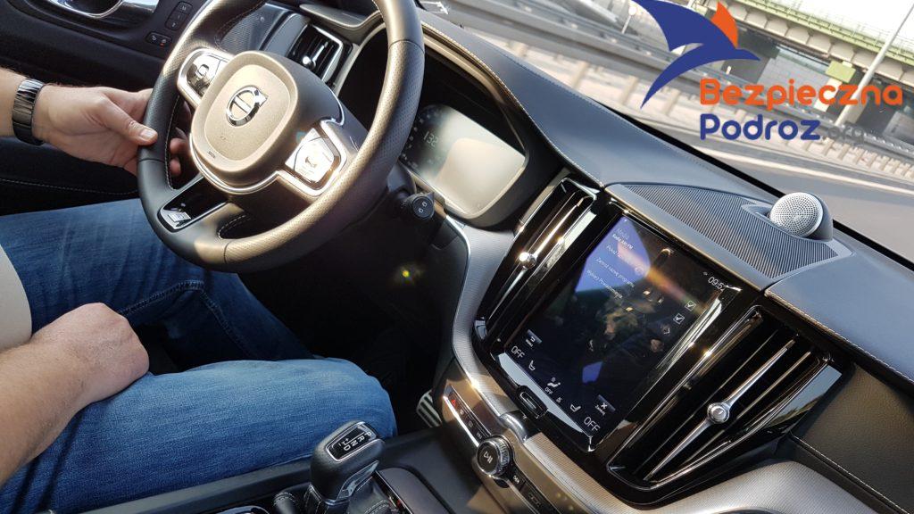 Volvo XC60 D5 R design - Babskim Okiem