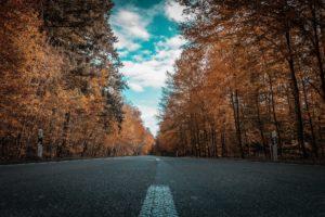 Jak skłonić kierowców do ostrożniejszej jazdy w mieście