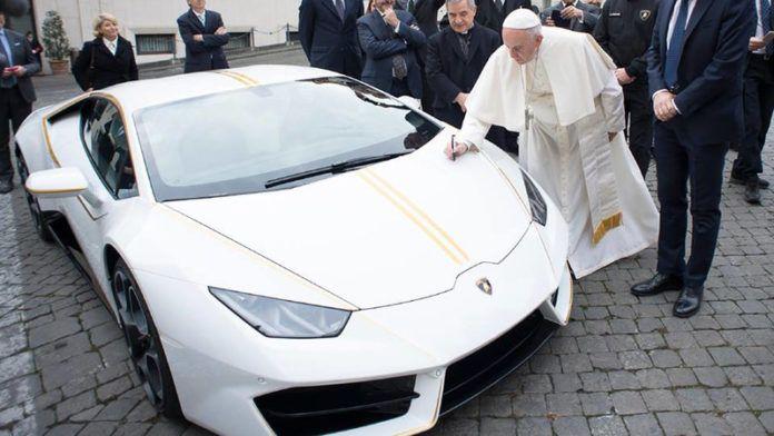 papieskie lamborghini glowne