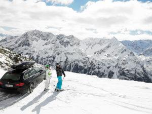 Jak bezpiecznie przewozić narty?