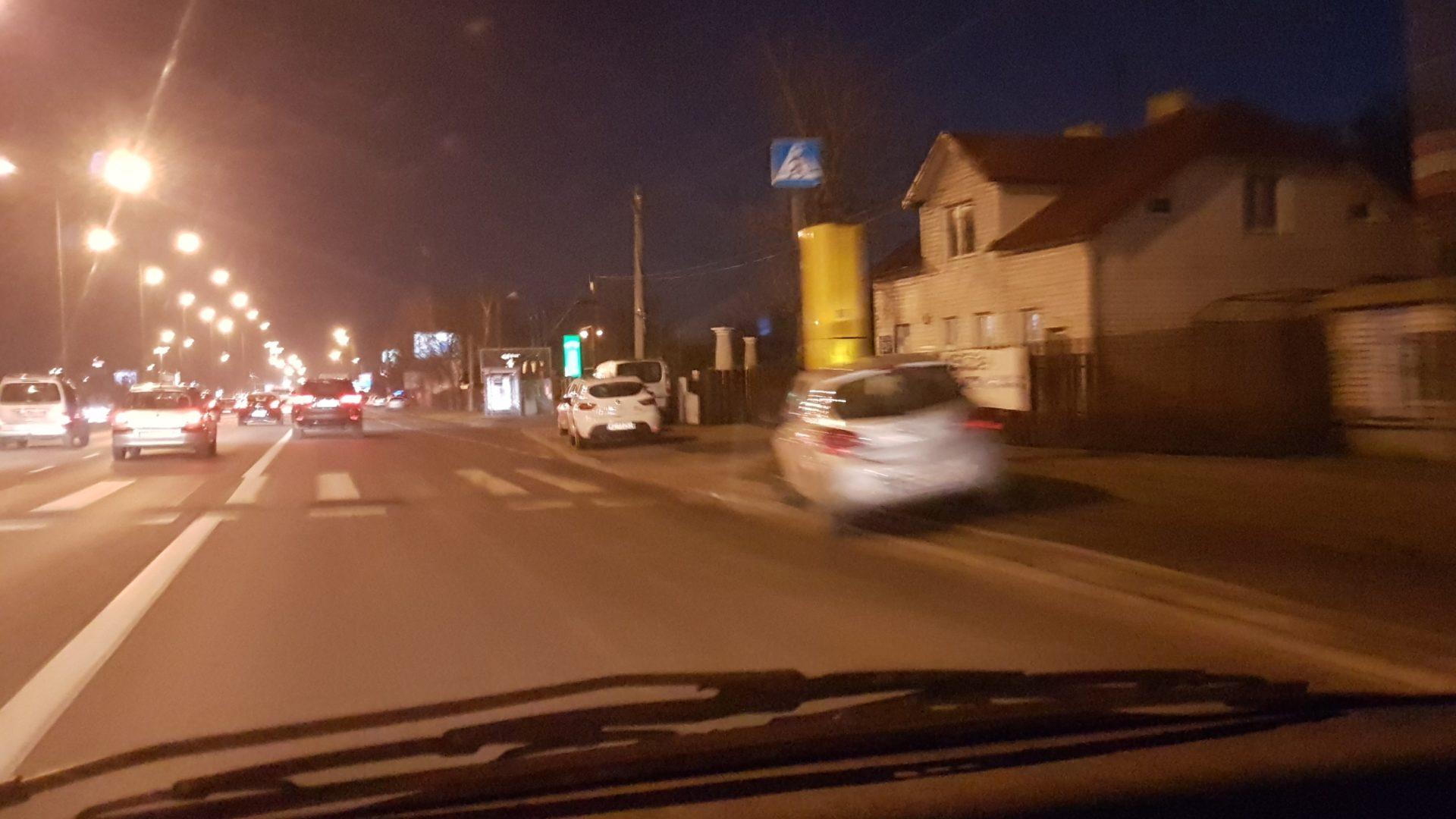 Jarek - zakaz parkowani, przejście dla pieszych, ba nawet fotoradar a ja stoję! Warszawa - Modlińska