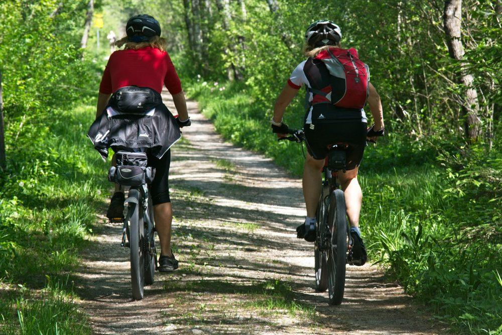Bezpieczne wyprzedzanie rowerzysty