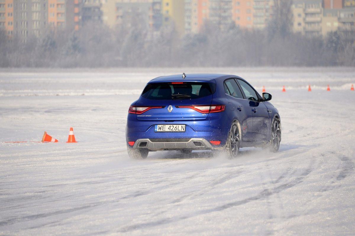 Ruszanie pod górkę zimą