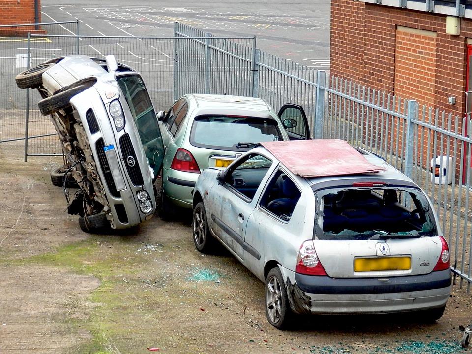 Stłuczka samochodowa: Jak zachować się po kolizji 2