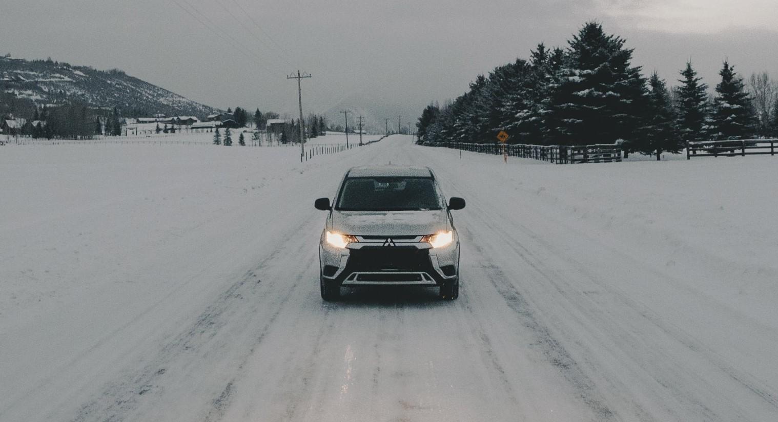 zimowe wyposażenie auta