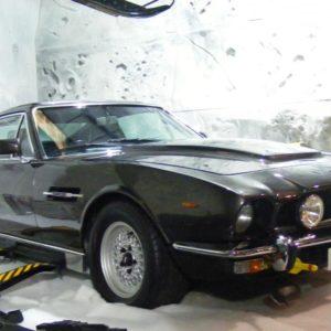 Aston_Martin_V8_Vantage_James_Bond