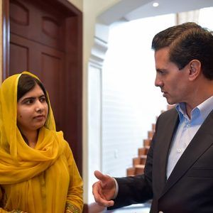 640px-Malala_Yousafzai_meeting_with_Enrique_Peña_Nieto_(36118298834)